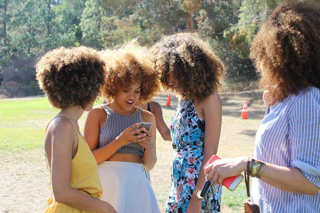Warum du als Schwarze Frau deine Sisters Squad brauchst Kopie